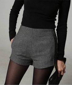 New fashion - Wool Blend Herringbone Shorts -Those are amazing Mode Outfits, Short Outfits, Fall Outfits, Casual Outfits, Fashion Outfits, Winter Shorts Outfits, Sweaters And Leggings, Sweater And Shorts, Leggings Shoes