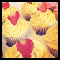 Strawberry daiquiri cocktail cupcakes
