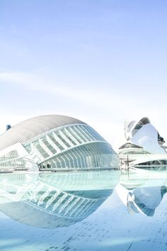 Spend A Day Exploring The Beauty Of Valencia Backpacking Spain, European City Breaks, Great Buildings And Structures, Amazing Buildings, Modern Buildings, Barcelona, Cities In Europe, Spain Travel, Croatia Travel