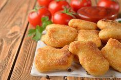 Aprenda a fazer uma receita de Nuggetssaudável e low carb: Até mesmo Jamie Oliver já mostrou como os nuggets são feitos, para desincentivar seu consumo
