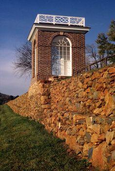 Vegetable Garden Terrace Wall « Thomas Jefferson's Monticello Monticello Thomas Jefferson, Thomas Jefferson Home, Garden Pavilion, Terrace Garden, Usa House, Village Inn, Tree Bench, Gate House, Plantation Homes