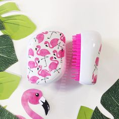 #LetsGoFlamingo fabulous with our new Skinny Dip Compact Styler detangling hairbrushes