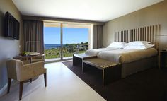 Overlooking the sea Sao Rafael Atlantico is an ultra-modern complex with direct and private access to São Rafael Beach. Sao Rafael Atlantico Albufeira Portugal R:Algarve hotel Hotels Best Hotel Deals, Best Hotels, Spas, Popular Holiday Destinations, Travel Destinations, Old Town Square, Resort Villa, Outdoor Swimming Pool, Beautiful Hotels