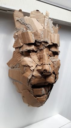 What's Art ? To answer the question of what's art history, we first need to Cardboard Sculpture, Cardboard Art, Art Sculpture, Paper Sculptures, Ceramic Sculptures, Bronze Sculpture, Arte Plumaria, Trash Art, Recycled Art