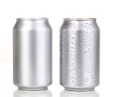 Free download beer and soda can psd mockup