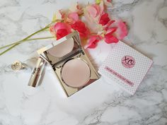 xoBeauty Radiant Glow Highlight Powder in Aurora Highlighters, Aurora, Powder, Glow, Sparkle, How To Apply, Posts, Beauty, Messages