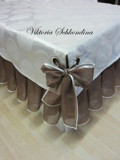 New Sewing Christmas Projects Table Runners Ideas - Diy Crafts Cheap Home Decor, Diy Home Decor, Sewing Projects, Projects To Try, Project Table, Curtain Designs, Table Covers, Christmas Projects, Soft Furnishings