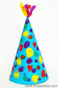 Birthday hat with dots Daycare Crafts, Fun Crafts For Kids, Summer Crafts, Toddler Crafts, Preschool Crafts, Art For Kids, Clown Crafts, Circus Crafts, Hat Crafts