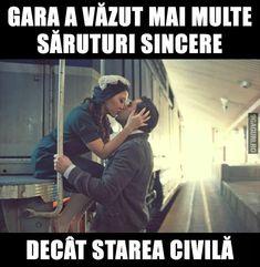 Gara a văzut mai multe săruturi sincere decât starea civilă Couple Goals, Cool Words, Haha, Romance, Humor, Couples, Memes, Funny, Quotes