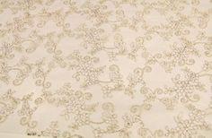Gelinlik dantelli kumaş modelleri ve gelinlik dantel çeşitleri toptan ve perakende en uygun gelinlik dantel fiyatları ile Kaptan kumaş mağazaları raf ve reyonlarında beğeninize sunulmaktadır. 4447578