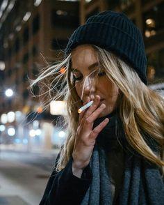 Kristina Kozyreva -- smoking under the Manhattan bridge 🏙 -- https://www.instagram.com/p/BciXwcehtFK/.jpg