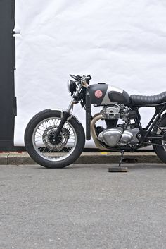Red Pill | Deus Ex Machina | Custom Motorcycle