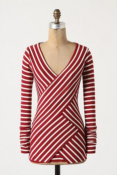 The contrasting direction of the stripes and layers of this would be flattering on SO many figures