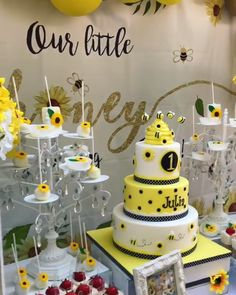 Sunflowers, Bees & Honey for a Sweet First Birthday! created by Steph Silva.creations with Opulent Treasures white cake stands and dessert stands! Sunflower Birthday Parties, Sunflower Party, 1st Birthday Party For Girls, Sunflower Baby Showers, Baby Birthday, Bee Birthday Cake, Sunflower Cakes, First Birthday Themes, First Birthday Decorations