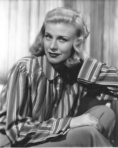 22 years old.Lover of old hollywood and anything vintage. Old Hollywood Glamour, Hollywood Fashion, Golden Age Of Hollywood, Classic Hollywood, Hollywood Style, A Fine Romance, Hollywood Pictures, Fred And Ginger, Ginger Rogers
