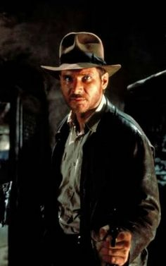 1981 Oscars Raiders of the lost arc Dir Steven Spielberg  / Here Harrison Ford as Indiana jones / Film got 4+1 Oscars Best Art deco Best editing  (Michael Kahn)  Sound and sound editing Visual effects