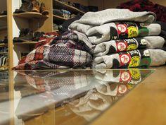 Wow! Oggi proposte uomo! Ecco qualche idea fresca e grintosa per accontentare i maschietti di casa vostra. Le felpe di Franklin & Marshall e di SHOESHINE ®...i jeans di Roy Roger's e di Meltin'Pot...la maglieria tutta Made in Italy di Jurta Cashmere e le sciarpe/foulard di BB...sempre Made in Italy!  #idearegalo #natale #nuoviarrivi #fw16 #followthebuyer #fashion #instafashion #instamood #instablogger #Moena #Dolomiti #Valdifassa #LSF #ladinsport