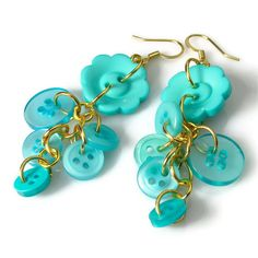 Turquoise Flower Button Dangle Earrings by BluKatDesign on Etsy, $10.00 diy supplies: buttons: http://www.ecrafty.com/c-757-buttons.aspx jump rings: http://www.ecrafty.com/c-201-jump-rings-split-rings.aspx ear wires: http://www.ecrafty.com/c-153-earring-wires.aspx