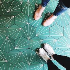 Love these tiles! Teal hexagon floor tiles with a partial starburst geometric pattern, shared in Geometric Tiles, Hexagon Tiles, Geometric Patterns, Hex Tile, Tiles Uk, Hexagon Pattern, Triangle Pattern, Green Pattern, Floor Patterns