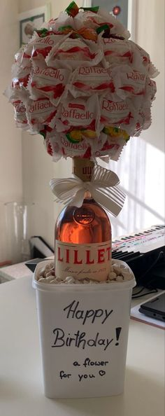 21st Birthday Presents, Creative Birthday Gifts, Creative Gifts, Homemade Gift Baskets, Homemade Gifts, Diy Gifts, Liquor Gift Baskets, Valentine's Day Gift Baskets, Birthday Pins