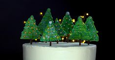 A True Showstopper Of A Dessert For The Festive Season Christmas Tree Cake, Magical Christmas, Christmas Cookies, Xmas, Christmas Ornaments, Cakes And More, Cookie Recipes, Holiday Decor, Desserts
