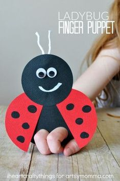 Mega Adorable Ladybug Finger Puppet : Simply Darling Ladybug Finger Puppet Tutorial Is your daughter a fan of the Ladybug Girl book series? Here is a super cute Ladybug Finger Puppet Craft for reenacting the books! Spring Crafts For Kids, Paper Crafts For Kids, Craft Activities For Kids, Preschool Crafts, Diy For Kids, Fun Crafts, Arts And Crafts, Camping Activities, Summer Kids