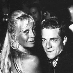 Party Nights Outs in Milano early 90s @ Hollywood. Damn we were so young & having to much fun! #milano #hollywood #dougordway #donatellaversace