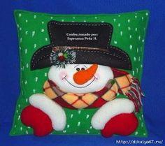 Christmas Chair, Christmas Cushions, Christmas Pillow, Felt Christmas, Christmas Snowman, Christmas Projects, Christmas Stockings, Christmas Ornaments, Decor Crafts