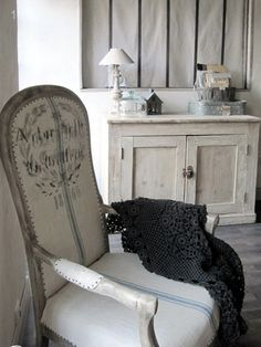 French Country Elegant Decor a-perfect-room Decor, Furniture, Beautiful Armchairs, Interior, Home, Home Furniture, French Furniture, Vintage Decor, Elegant Decor