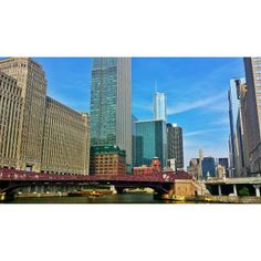 Yes, it's Tuesday.  #chicagoriver #watertaxi #bridges #merchmart #skyline #Chicago #ChiCity