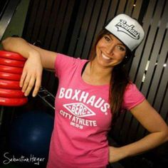 You're Never Fully Dressed Without a Smile #boxhaus #7punch #squad #squads #legday #weights #ecard #ecards #crossfitgirl #crossfitgirls #girlswholift #girlswithmuscle #fitspo #fitfam #training #fitness #girlspower #girlsthatlift #shesquads #shelifts #lift #strongnotskinny #fitgirls #fitchicks #gymgirl #boxing #boxhausbrand #berlin #berc #tshirt