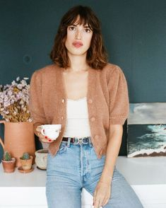 This season's cardigan trend. Jeanne Damas on a Rouje cardigan. Jeanne Damas, Parisienne Chic, French Girl Style, French Girls, Style Chic Parisien, Outfit Chic, Parisian Chic Style, Denim Look, Paris Mode