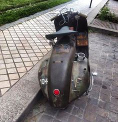 oh my just look at that carb! | Vespa via https://www.facebook.com/Vespadeluxe?fref=photo