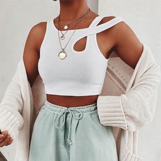 Tank Top Outfits, Casual Outfits, Fashionable Outfits, Summer Fashion Outfits, Work Outfits, Fashion Clothes, Spring Outfits, Cropped Tops, White Crop Top Tank
