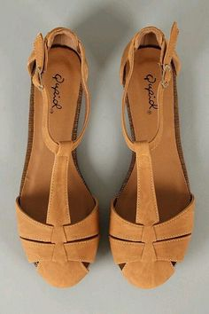 women fashion shoes, boots, retro indie clothing & vintage clothes Women Shoes for work Women's Shoes, Cute Shoes, Me Too Shoes, Shoe Boots, Gucci Shoes, Balenciaga Shoes, Valentino Shoes, Prom Shoes, Shoes Style