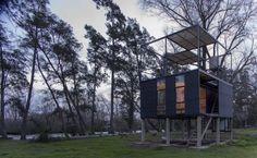 Una cabaña en el Delta que parece flotar en el aire