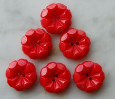 Vintage Red Bakelite Buttons. #sewing #button #bakelite #notions #Sewcratic