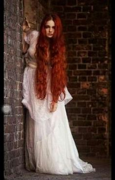 wedding hair redhead w - weddinghair Beautiful Redhead, Beautiful Long Hair, Beautiful People, Beautiful Pictures, Character Inspiration, Hair Inspiration, Long Red Hair, Long Curly, Redhead Girl