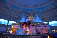 Caesar's Palace Las Vegas mall free show that runs periodically throughout the day. The show tells a story of the Mythical Gods. #hitpictures #caesarspalace #lasvegas