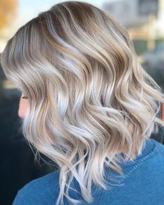 Blonde ambre hair, ash blonde hair, blonde color, champagne hair co Blonde Ambre Hair, Dyed Blonde Hair, Cream Blonde Hair, Brown Hair With Blonde Highlights, Hair Highlights, Blonde Color, Hair Color, Blonde Haare Make-up, Up Dos