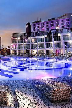 hard-rock-hotel-ibiza-2014-11 Vacation Destinations, Vacation Spots, Hard Rock Hotel Ibiza, Piscina Hotel, Boutiques, Resorts, Ibiza Formentera, Ibiza Beach, Rooftop Pool