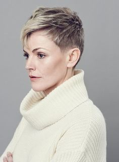 Maxine Peake: on leaving London, being old-fashioned and playing Hamlet - Telegraph Short Sassy Hair, Short Grey Hair, Short Hair Cuts, Pixie Cuts, Pixie Bob Hairstyles, Short Hairstyles For Women, Cool Hairstyles, Cut Her Hair, Love Hair