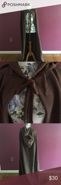 Brown Cape Excellent for Renaissance or Halloween. Fabric is fleece so it will keep you warm. You can also cut the hem to suit your height without going to a tailor, fabric wont fray. Other