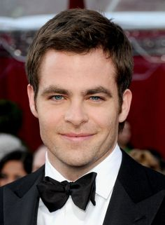 Chris Pine Photos Photos - Actor Chris Pine arrives at the 82nd Annual Academy Awards held at Kodak Theatre on March 7, 2010 in Hollywood, California. - 82nd Annual Academy Awards - Arrivals