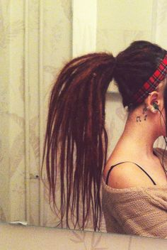 Beautiful dreads. I hope mine will look this great one day.