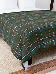 """Tartan Plaid Pattern"" Comforter by ind3finite | Redbubble"