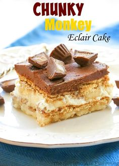 Chunky Monkey Eclair Cake – An easy no-bake dessert with layers of graham crackers, peanut butter filling, and bananas. All topped with a sweet homemade chocolate frosting. the-girl-who-ate-… Eclair Cake Recipes, Banana Dessert Recipes, Easy No Bake Desserts, Just Desserts, Delicious Desserts, French Desserts, Delicious Chocolate, Eclair Recipe, Cupcakes