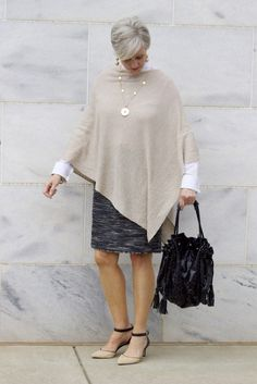 Work it fashion over over 50 womens fashion, fashion tips, vintag Over 50 Womens Fashion, Curvy Women Fashion, Fashion Over 40, Fashion Tips, Fashion Fashion, Vintage Fashion, Old Women, Women's Fashion Dresses, Blouse