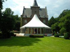 Ihr habt ein wunderschönes Anwesen und möchtet in eurem eigenen Garten feiern und dabei trocken bleiben? Wir haben die mobile Location für eure Privatparty!