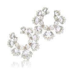 Viren Bhagat Diamond Hoop Earrings, Gold Diamond Earrings, Stone Earrings, Women's Earrings, Diamond Jewelry, High Jewelry, Pearl Jewelry, Jewelry Art, Jewelery